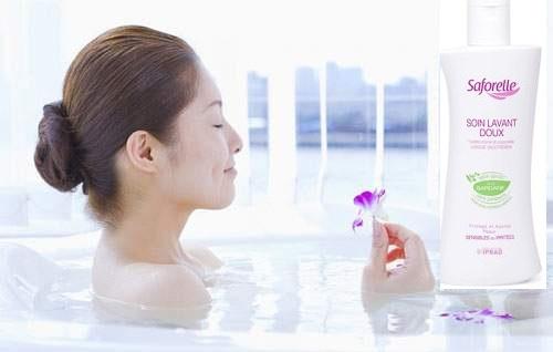 Sử dụng dung dịch vệ sinh phụ nữ Saforelle Soin Lavant Doux mỗi ngày cho vùng kín luôn sạch - khỏe
