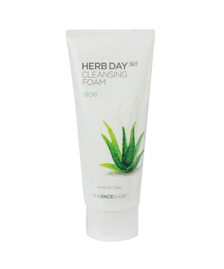 Sua-Rua-Mat-The-Face-Shop-Herb-Day-365-Cleansing-Foam-2684.jpg